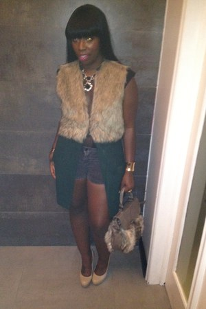 dark green wool-fur Forever 21 vest - camel paten leather Steve Madden pumps