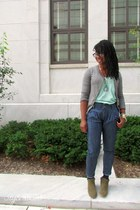 olive green booties ecote boots - aquamarine v-neck BDG t-shirt