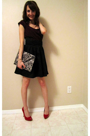 ruby red Aldo heels - brick red Dynamite dress - charcoal gray H&M bag