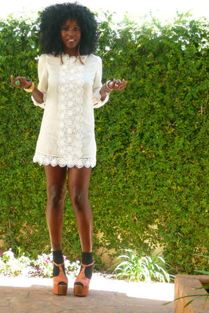 beige H&amp;M dress - brown Jessica Simpson shoes - black H&amp;M socks