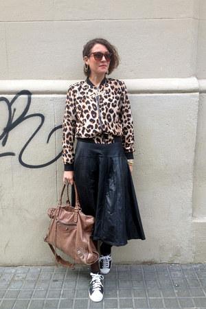 black midi vintage skirt - camel weekender balenciaga bag