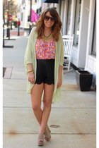 black scalloped Lulus shorts - hot pink floral Forever21 top