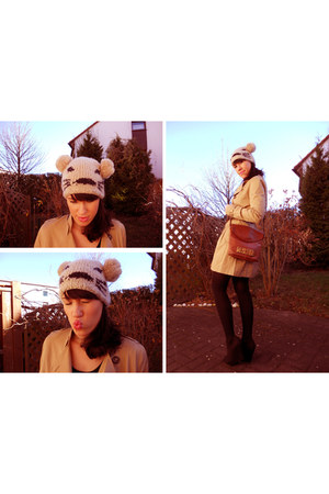 Accessorize hat - Moschino bag - H&M shoes - H&M coat