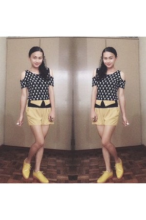 yellow primadonna shoes - yellow aionlineshop Accessorize shorts