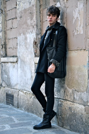 black vagabond boots - black Home made coat - black COS bag