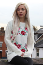 Chunky Knit Jumper With Flower Heart Motif