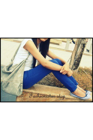 blue electric blue jeans - grey Accessorize bag - striped Westside flats