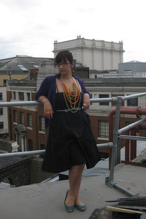 black H&M dress - green Primark shoes - orange asos necklace - silver Urban Outf