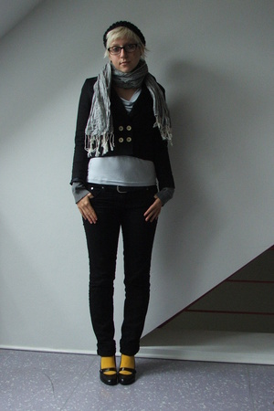 H&amp;M blazer - H&amp;M shirt - H&amp;M vest - H&amp;M scarf