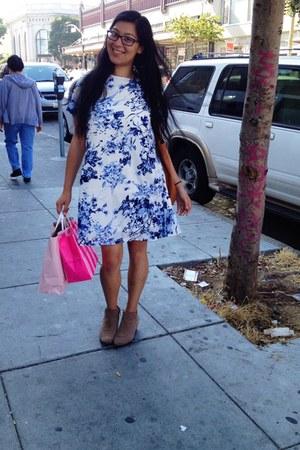 tan suede boots - blue dress