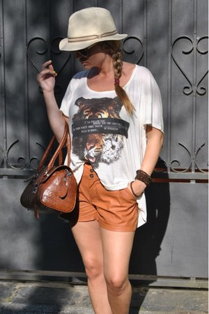 Bershka shorts - street market bag - Bershka t-shirt