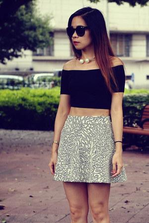 black American Apparel top - Topshop skirt - nike sneakers