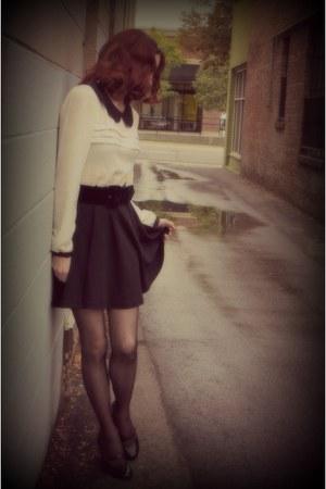 velvet belt thrifted belt - Forever 21 dress - tights