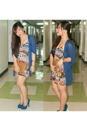 Forever 21 dress - Singapore brand purse - Parisian pumps - cardigan