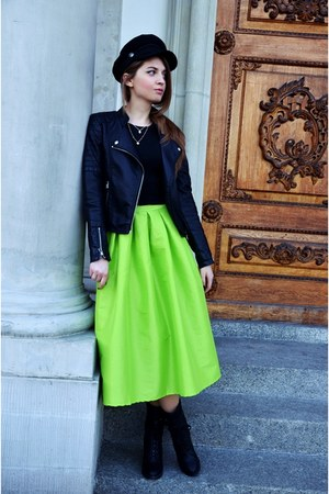 chartreuse Sheinside skirt - black Lovelyshoes boots - black H&M hat