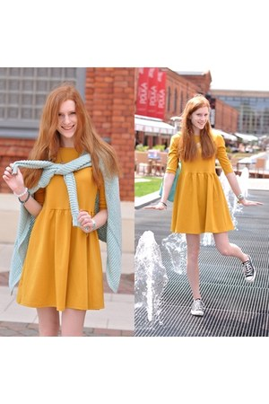 mustards Zara dress