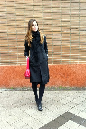 Mango shoes - Zara coat - Sintesis scarf - caroll skirt - Mango t-shirt