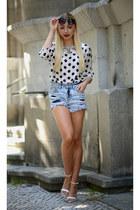 Zara blouse - GINA TRICOT shorts