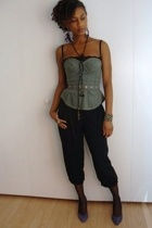 grey ant top - vintage shoes - Forever21 pants - H&M necklace
