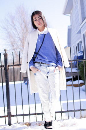 white Zara coat - Forever 21 boots - Zara jeans - blue H&M sweater