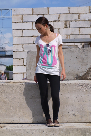 shoes - H&amp;M t-shirt - Zara leggings - sunglasses - Hand Made accessories - Ledy 