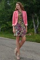 salmon H&M blazer - pink one sleeve kensie dress - beige just fab wedges
