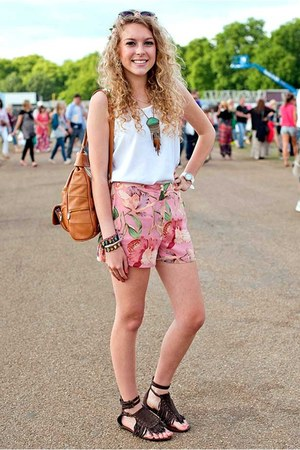 tan rucksack Lorenz bag - floral Topshop shorts - floral Urban Outfitters sungla