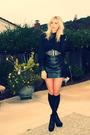 Black-vintage-dress-black-bebe-shoes-black-thrift-belt