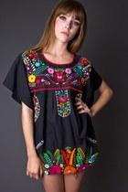 Black-telltale-hearts-vintage-blouse