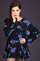 Vintage Floral Print Tunic in Black