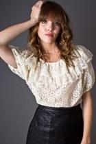 Ivory-lace-peasant-telltale-hearts-vintage-blouse