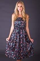 Vintage Paisley Print Sundress in Black