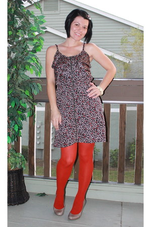 We Love Colors tights - Target dress - Jessica Simpson wedges
