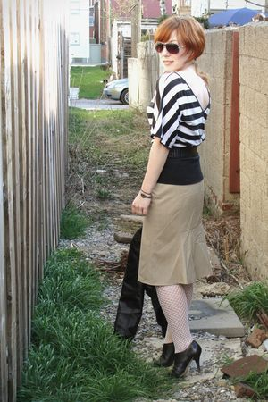 beige banana republic skirt - black Express shirt - white We Love Colors tights