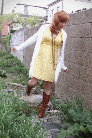 yellow Tulle dress - orange BCBG boots - brown vintage necklace