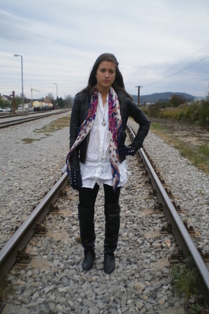 black Zara boots - black Zara jacket - white Zara shirt - blue Zara gloves