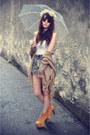 Denim-shorts-shorts-necklace-top-litas-jeffrey-campbell-heels