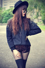 Oasap-hat-studded-sweater-leopard-shorts-round-sunglasses