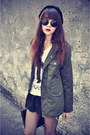 Creepers-shoes-oversized-jacket-round-sunnies-sunglasses-cross-top-skirt