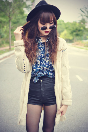 leather boots - OASAP hat - Topshop shorts - round sunglasses - knitted cardigan