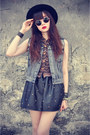 Forever-21-hat-shirt-round-sunglasses-leather-skirt