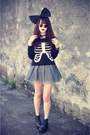 Bone-sweater-boots-ballet-skirt-big-bow-accessories