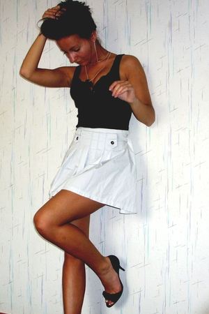 black Wawa shoes - white Vero Moda skirt - black Only accessories