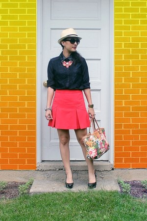 Target blouse - printed longchamp bag - 9West wedges - H&M skirt