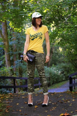 army green camouflage Gap jeans - yellow graphic tee Blue 84 shirt
