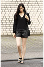 Black-mango-bag-black-oasap-shorts-black-zara-blouse