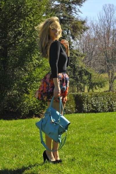 turquoise blue bag - ruby red Forever 21 skirt - black Steve Madden pumps