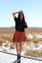 carrot orange geometric Seams Theory skirt - black platform Missguided boots