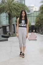 white bug print crop Aaneta top - heather gray ninja unbranded pants