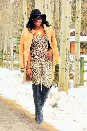 brown leopard print Bluenotes top - black Aldo boots - black floppy Mossimo hat